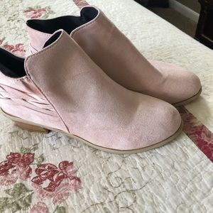 Pink shoe boots. Size 41. Brand new. Never worn.